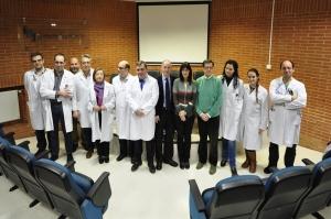 Foto de los dos equipos de investigación Regeneración Córnea
