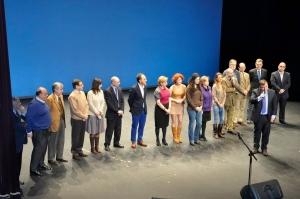 Foto grupo entrega premio a la Solidaridad otorgado por la FAV